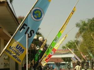 Biru Muda Warna Dasar Bendera FIS